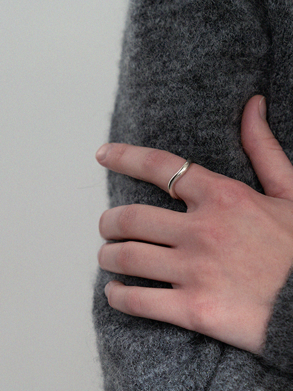 Line curve ring